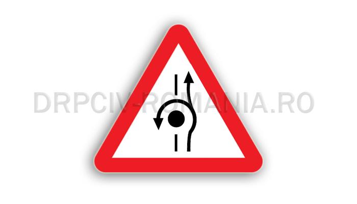 DRPCIV - Presemnalizarea unei amenajări rutiere care oferă şi posibilitatea întoarcerii vehiculelor
